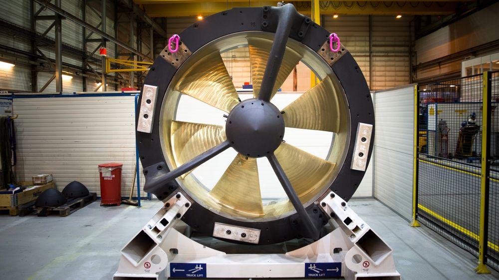 Tunnelthruster med permanentmagnetmotor. Statoren ligger i ringen rundt og selve propellen er rotor.