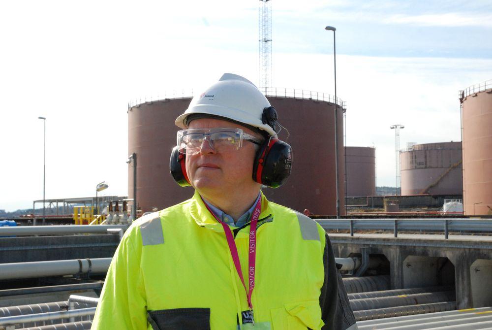 Konsernsjef i Statoil. Eldar Sætre, er urolig etter at flere av de store internasjonale oljeselskapene nedprioriterer norsk sokkel. Det burde føre til en viss politisk uro også.