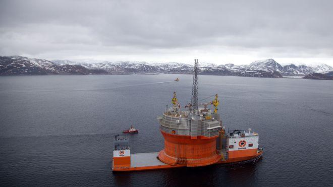 Gullfeberen går ikke over, tross alle bomskuddene. Hvor lenge skal vi tro på et lykketreff i Barentshavet?