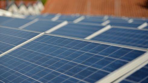 Solceller på taket hjemme: «Mange problemer og mindre strøm enn forventet»