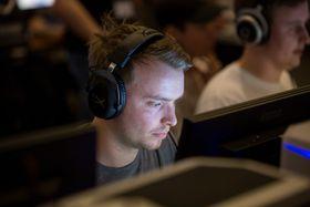 Erik «Simsy» Gravrok i Penta Sports er en av mange som har gått fra Counter-Strike: GO til PUBG.