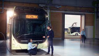 Volvo tredobler batteriet og lanserer valgfri ladeløsning i nye elbusser