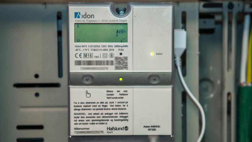 I løpet av året skal drøyt halvparten av alle norske strømkunder få ny digital strømmåler installert hjemme. Foto: Paul Kleiven / NTB scanpix