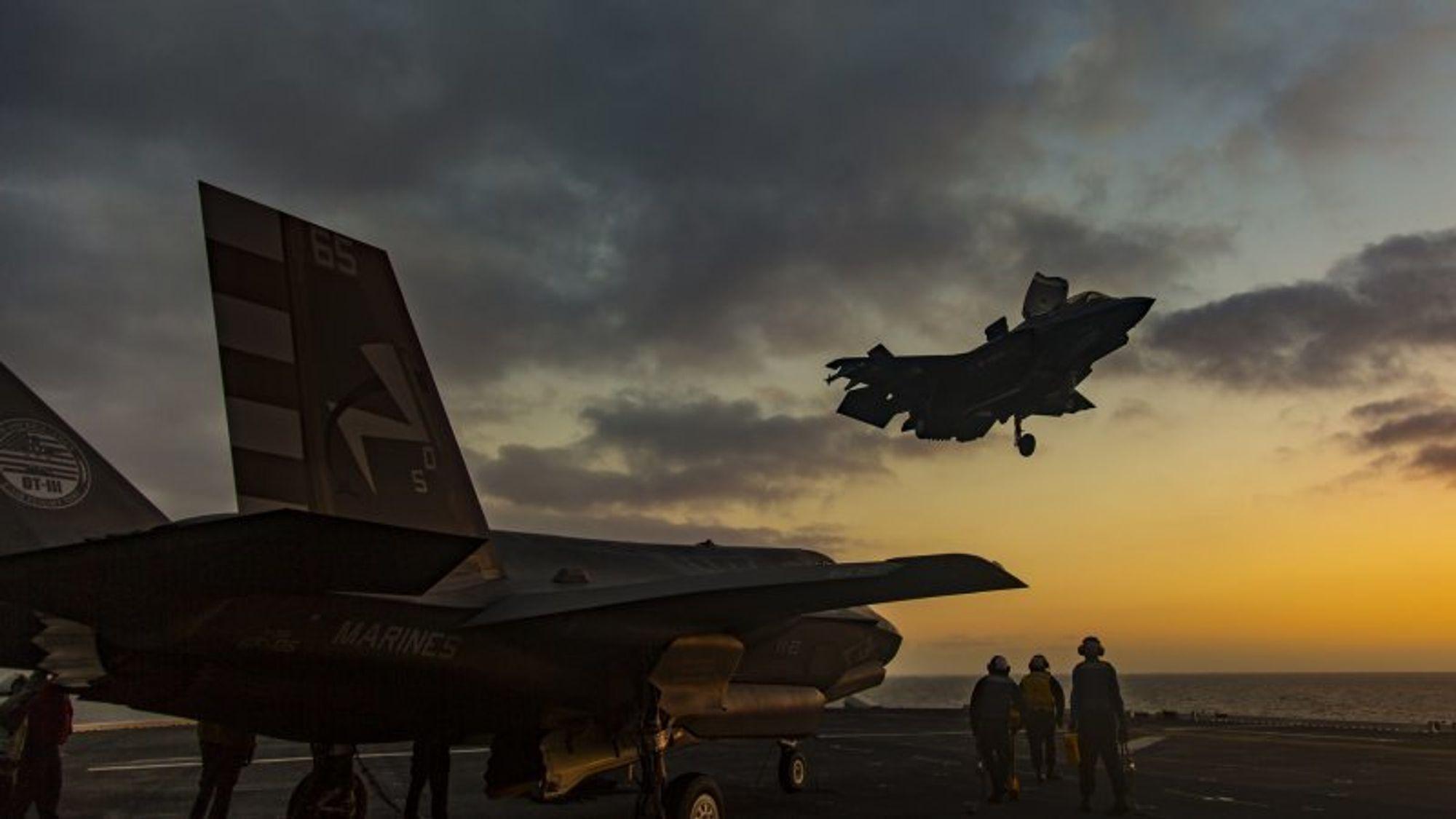 Det amerikanske forsvaret kjøper blant annet hangarskipsversjonen av Lockheed Martins F-35. Foto: Lockheed Martin