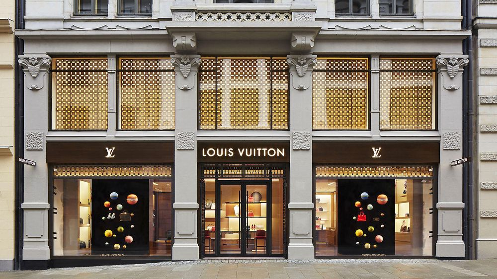 Louis Vuitton holder hus i Nedre Slottsgate i Oslo.