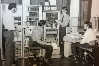 Dataalderen: En av TFs første oppgaver var å få bukt med begrensingene til det analoge telefonnettet og gjøre det digitalt.