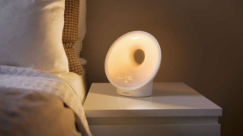 Philips Wake-Up Light HF3653 er kåret til «Årets småelektriske 2017/2018». Foto: Philips