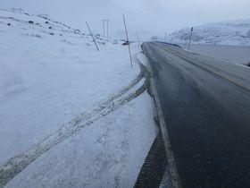 FØRSTE SNØEN: Det er ikkje mykje snø som har falle.
