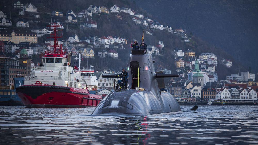 U-32, som var den første ubåten i 212-klassen og ble tatt i bruk 19. oktober 2005, i Bergen i fjor høst. Den er blant båtene som nå ligger til reparasjon i Kiel. Den fikk skader på batteriene under en øvelse i Norge i juli.