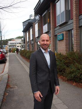 JOBBER PÅ: Sverre Martin Hagh hos DNB Eiendom melder om et hett marked igjen etter noen kjølige sommermåneder.