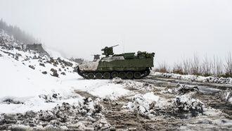 CV90 Bombekaster er nå oppgradert for å kunne samhandle digitalt med andre enheter. I tillegg har den fått et system som automatisk stiller inn bombekasteren etter koordinater.