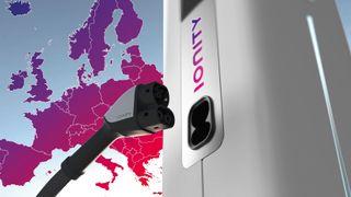 Bilprodusenter bygger 350 kilowatt-ladenettverk