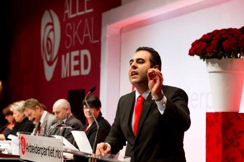 Masud Gharahkhani på talerstolen under landsmøtet i Arbeiderpartiet i 2011.