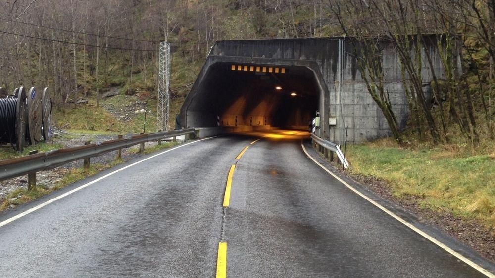 VVB får i dag store dagsbøter for forsinkelsene i Høyangertunnelen.