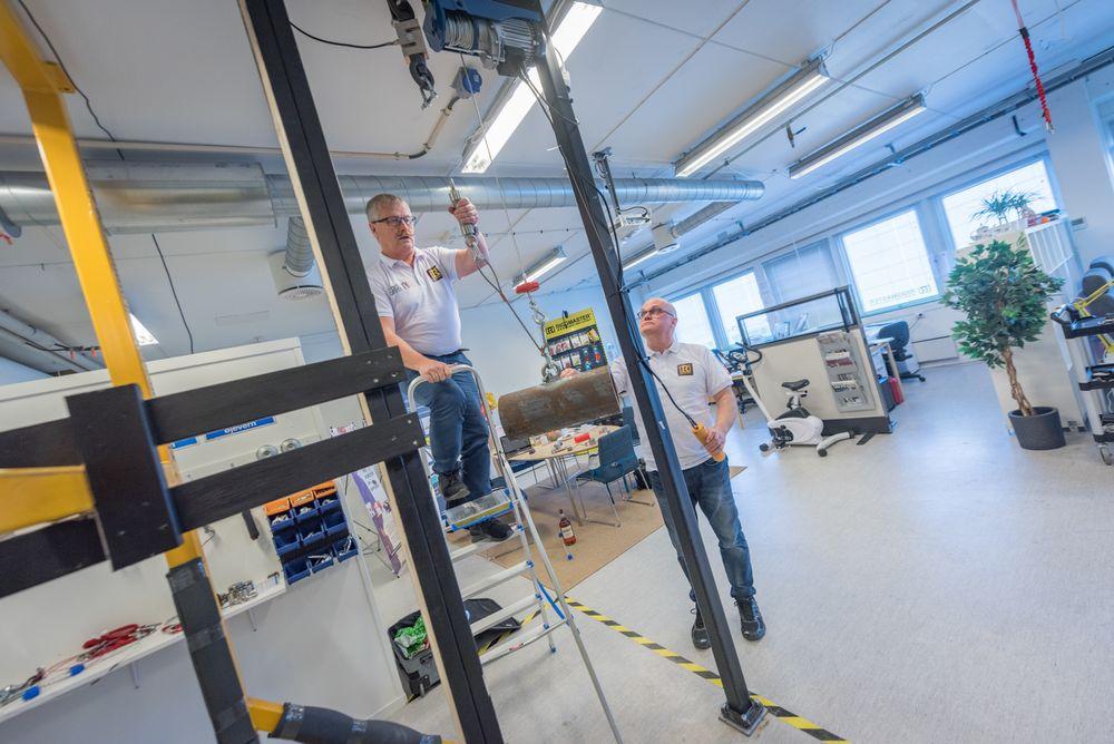 Stort marked: Det er ikke bare offshoremarkedet som trenger sikring av tunge objekter. Robert Kolsing (til venstre) og Alf Kristian Fjelldal ser også for seg å sikre gjenstander i landbasert industri.