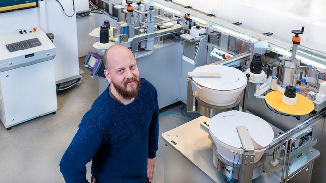 Kompleks: Inspeksjons og pakkemaskinen til Bayer er en av de mest komplekse prosjektene Cody har gjennomført, sier assisterende daglig leder i Cody AS, Magnus Skoglund Larsen