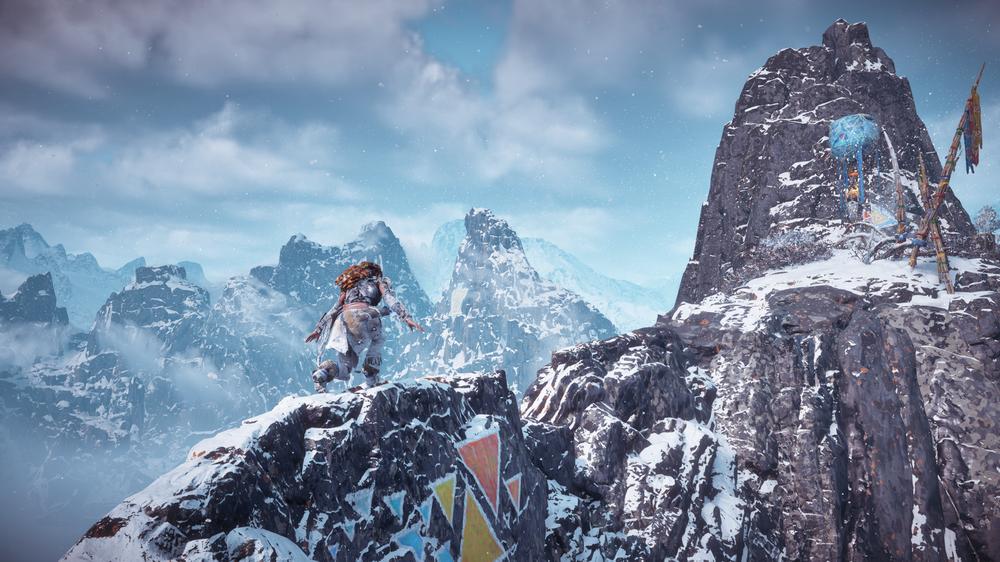 Selv de skarpeste fjellryggende er overkommelige for Aloy.