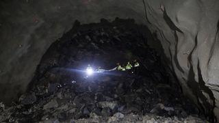 Bli med på kjøretur gjennom verdens lengste og dypeste undersjøiske tunnel