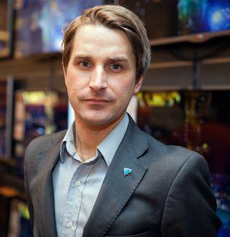 Finn Myrstad hos Forbrukerrådet mener at Telia og Telenor ikke oppfyller forutsetningene som skal til for å utnytte et smutthull i de europeiske reglene om nettnøytralitet.