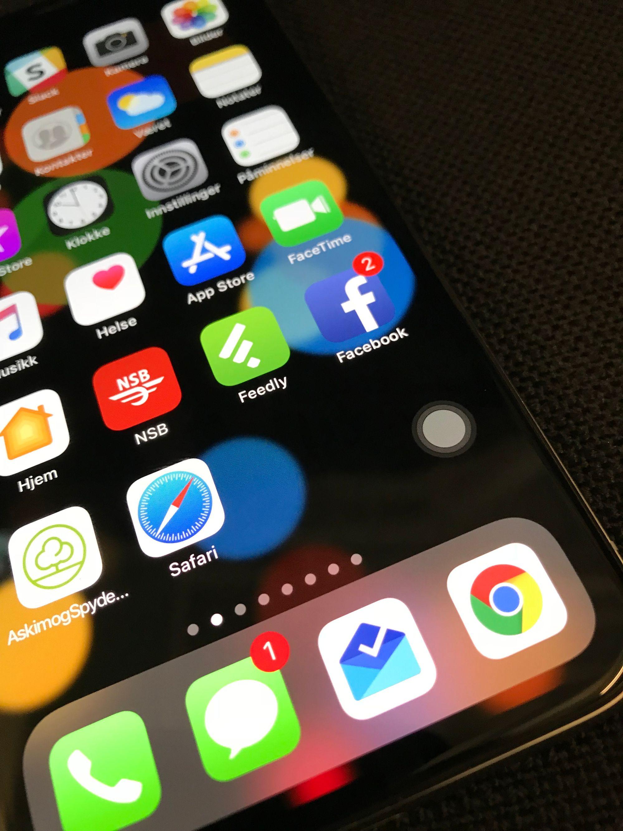 svart flekk på iphone skjerm vann