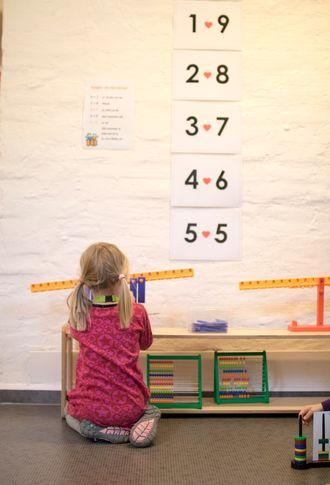 Mål og vekt: Det er lett å leke seg til en gryende tallforståelse.