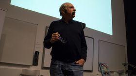 FØREDRAG: Johan Kaggestad heldt eit føredrag om talentutvikling.