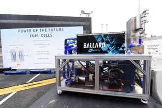 RCCL fikk strøm til et arrangement i New York fra brenselcelle i forrige uke. ABB har utviklet systemet som blant annet består av en canadisk brenselcelle drevet av hydrogen. Nå skal denne om bord på et skip.