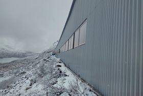 Tak og vegger er på plass. Nå kan vinteren bare komme.