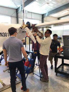 Fartøyet settes sammen i forkant av den kommende testingen.