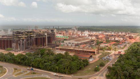 Hydro må kutte produksjonen på verdens største aluminiumsraffineri etter anklage om forurensing