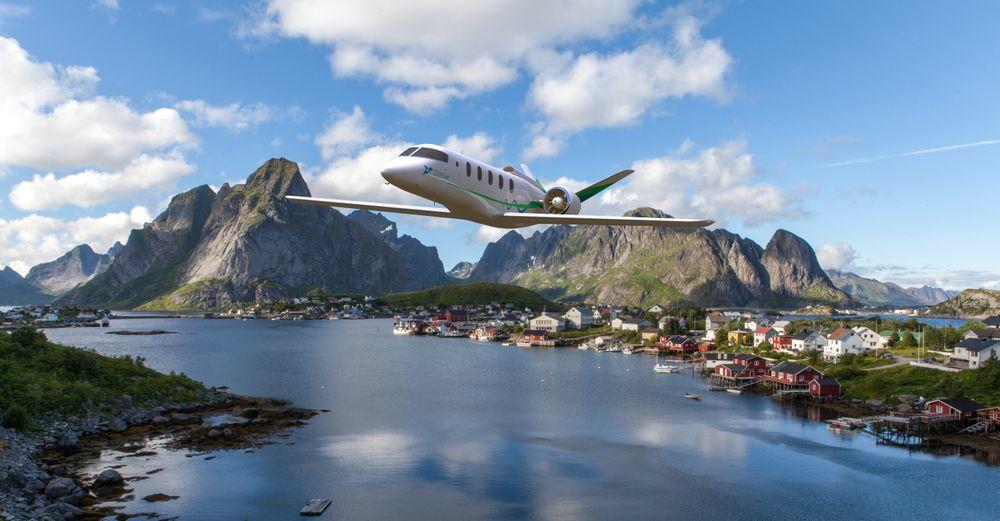 Over Lofoten: Et slikt fly kan bli å se over Lofoten et stykke inn på 20-tallet, men det blir vanskelig å høre det.