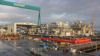 Denne 12.000 tonn tunge strukturen skal bli et av Norges største hoteller