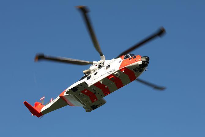 Her er helikopteret på vei fra fabrikken til Norge for første gang.