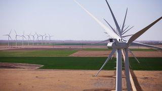 Nå skal vindmøllene få egne batterier