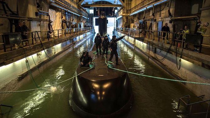 Ubåtbunkeren ble bygd av tyskerne i perioden 1941-45 ved Søre- og Nordrevågen på Laksevåg og tatt i bruk av den norske marinen i 1952.