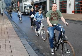 Avdeling for samfunnsplanlegging ved Swecos kontor i Oslo får inspirasjon på studietur i Rotterdam.