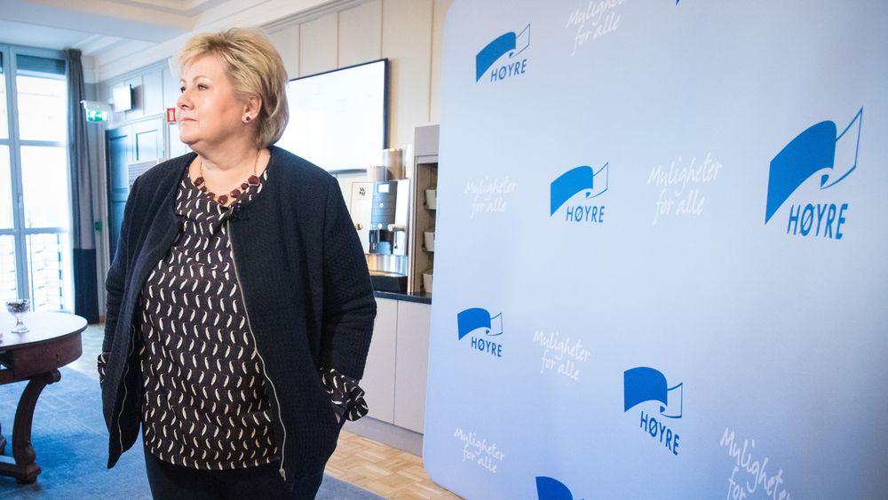 Statsminister Erna Solberg la i juli frem en kompetansereform under et valgkampbesøk i Haugesund. Her står det blant annet at det skal bli enklere å kombinere Nav og utdanning. Fremdeles kan ikke Høyre svare på hvordan de har tenkt å gjøre det enklere - ei heller hvem det skal bli enklere for.