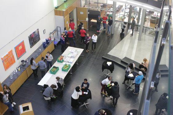 KRYDDE I KOLBEN: 450 jobbsøkere var i Kolben på tirsdag (21. november) for å få informasjon om arbeidsmarkedet.