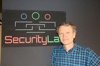 Audun Jøsang er professor ved Institutt for Informatikk ved Universitetet i Oslo.