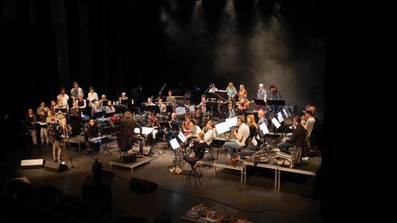 SNART KLARE FOR KONSERT: Kolbotn Konsertorkester (KoKo) gir alt på øvelsene for å gi deg som publikum en mega opplevelse i helgen!