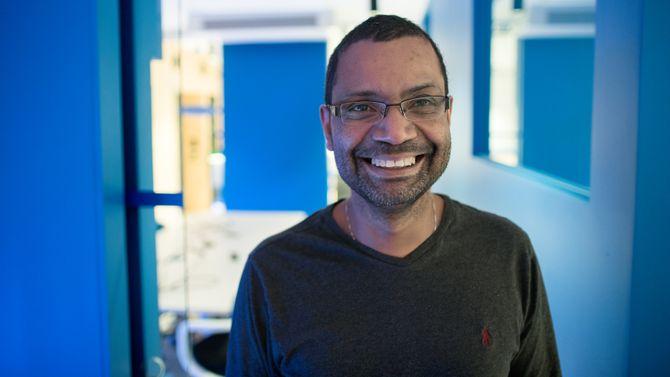 Heri Ramampiaro ved Telenor-NTNU AI-Lab.