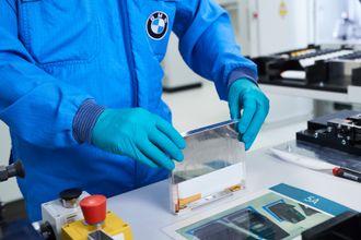 Utvikling av battericelleprodtotyper hos BMW.