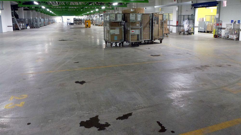 På dette området er det plass til 67 Bring-varebiler som skal kjøre ut pakker til privatkunder og bedrifter i sentrale områder av Østlandet. Hver eneste morgen fra klokken 08.30 durer bilene ut på rad og rekke.