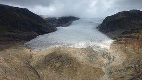 Klarer vi å bremse klimaendringene og nå togradersmålet er det fortsatt håp for norske isbreer.