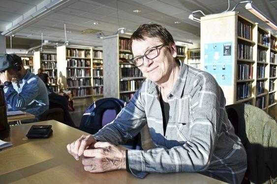 HJEMME: – Kolben er mitt første hjem. Jeg elsker biblioteket! Jeg håper de beholder de viktige tingene her når Oppegård og Ski slås sammen, sier hun.
