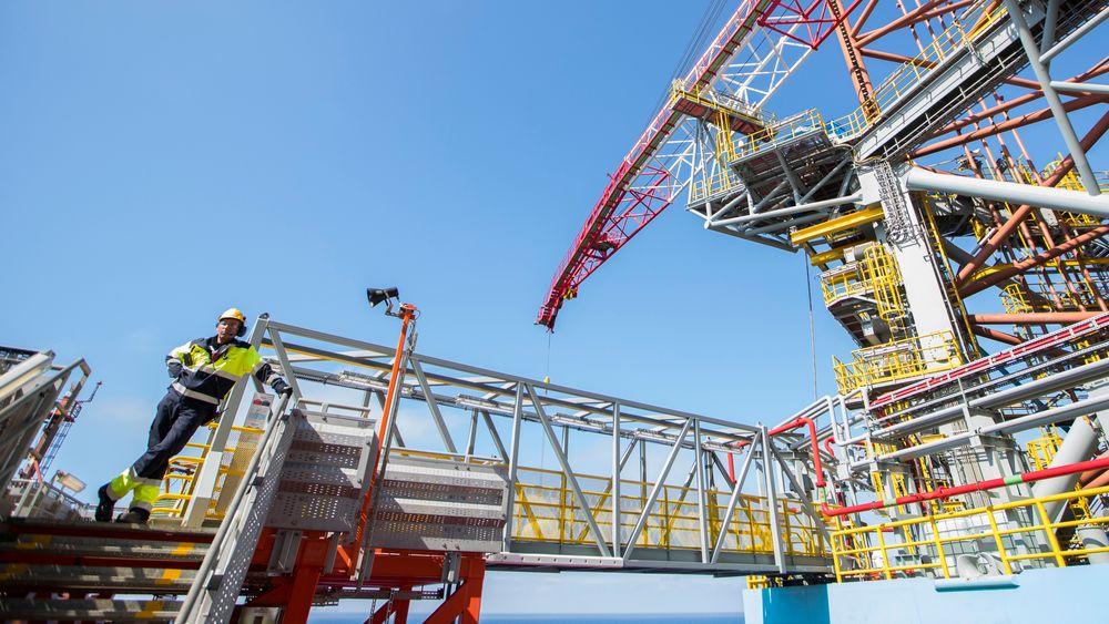 Valhall-feltet, Nordsjøen  20170815. Aker BP-plattformen Valhall i Nordsjøen. Valhall-feltet, som består av til sammen seks oljeplattformer, har hatt oljeproduksjon siden 1982. Anlegget har produsert over 1 milliard fat olje siden den gang og har som ambisjon å pumpe opp 500 millioner fat olje til før den stenges ned.