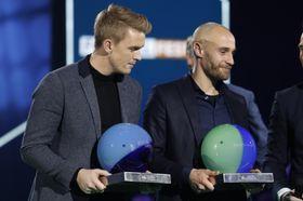 I RAMPELYSET: Kristian Fardal Opseth vart kåra til årets spelar i 1. divisjon på fotballfesten på Ullevaal Stadion måndag kveld. Tore Reginiussen vart årets spelar i eliteserien.