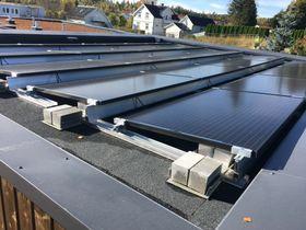 Solcelleanlegg på 33 m2.