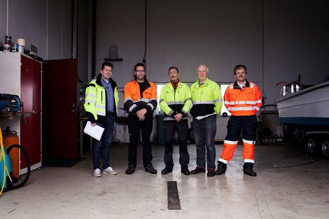 Tom Ragnar Pedersen og uteavdelingen. (Foto: Aurora Hannisdal)