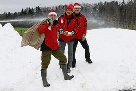 FOR ALLE: Karl-Olaf Løkenhagen, Aase Müller Løkenhagen og Kåre Gustav Øyen vil skape stemning for alle i skogen på Greverud.